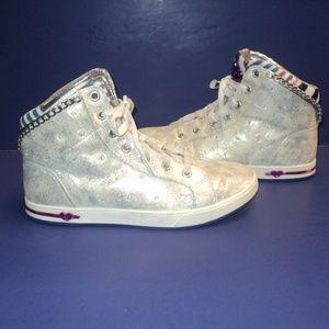 💥HP💥 Skechers Womens 6 High Top Sneakers Silver